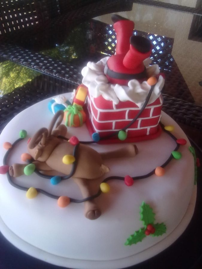 christmas-cake-Santa-and-Rudolph-675x900 16 Mouthwatering Christmas Cake Decoration Ideas 2020