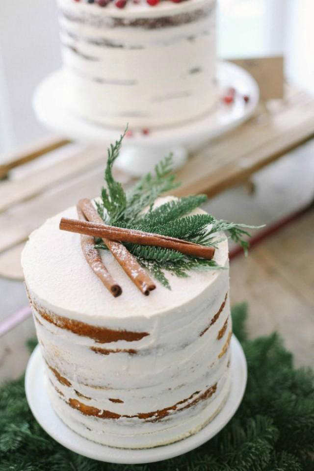 christmas-cake-with-fern-decoration 16 Mouthwatering Christmas Cake Decoration Ideas 2021