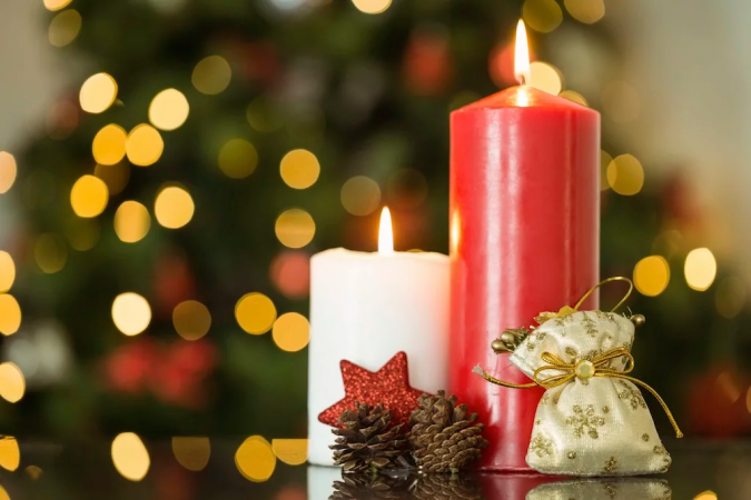 christmas-decoration-scented-candle-2-675x450 50+ Hottest Christmas Decoration Ideas for 2021