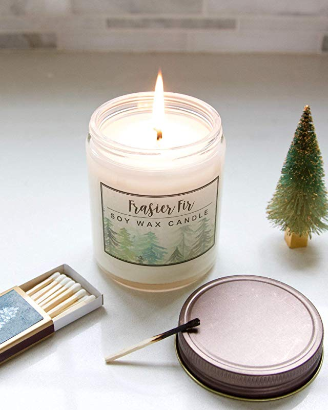 christmas-decoration-scented-candle 50+ Hottest Christmas Decoration Ideas for 2021