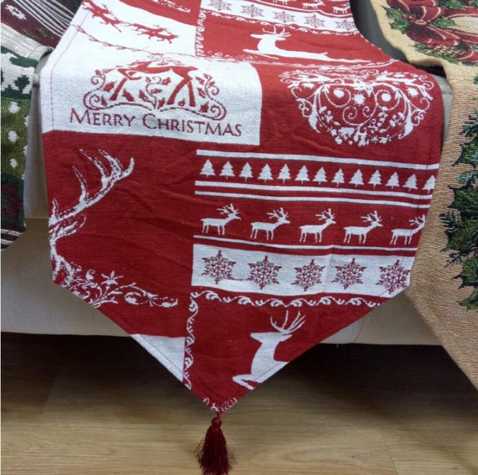 christmas-table-runner-675x671 50+ Hottest Christmas Decoration Ideas for 2021
