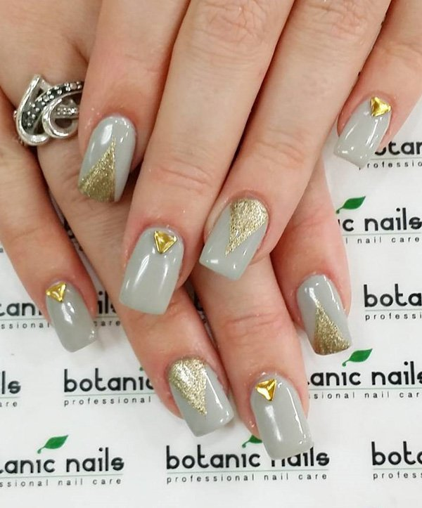 embellishment-nail-art-2 Top 10 Most Luxurious Nail Designs for 2021