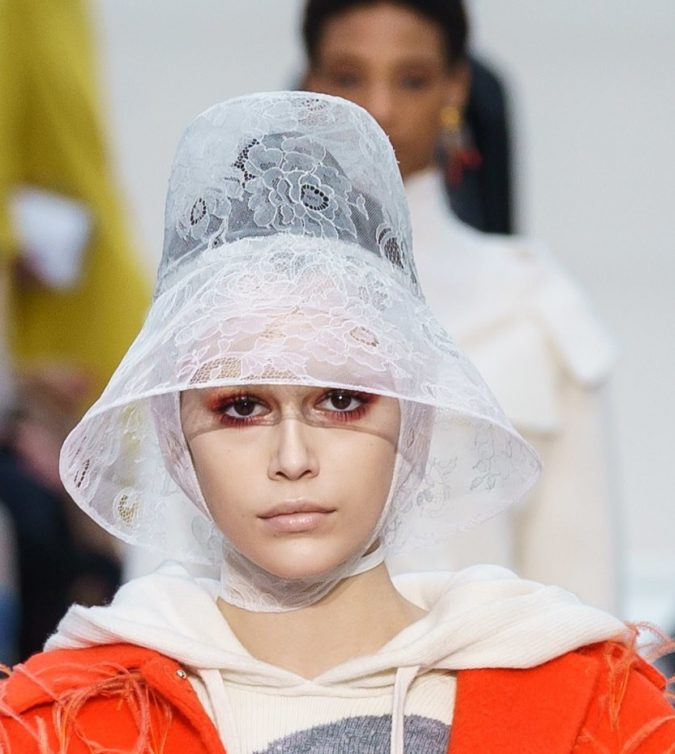 fall-winter-2019-bucket-hat-Valentino-675x754 10 Elegant Women's Hat Trends For Winter 2020