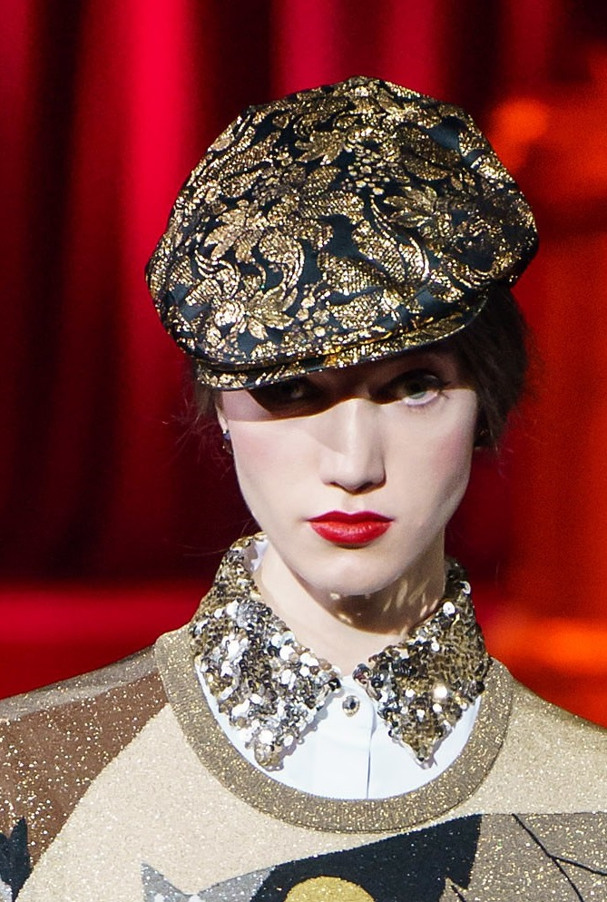 fall-winter-fashion-2020-adorned-newsboy-hat-Dolce-and-Gabbana 10 Elegant Women's Hat Trends For Winter 2020