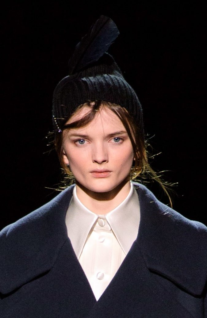 fall-winter-fashion-2020-beanie-Marc-Jacobs-3-675x1037 10 Elegant Women's Hat Trends For Winter 2020