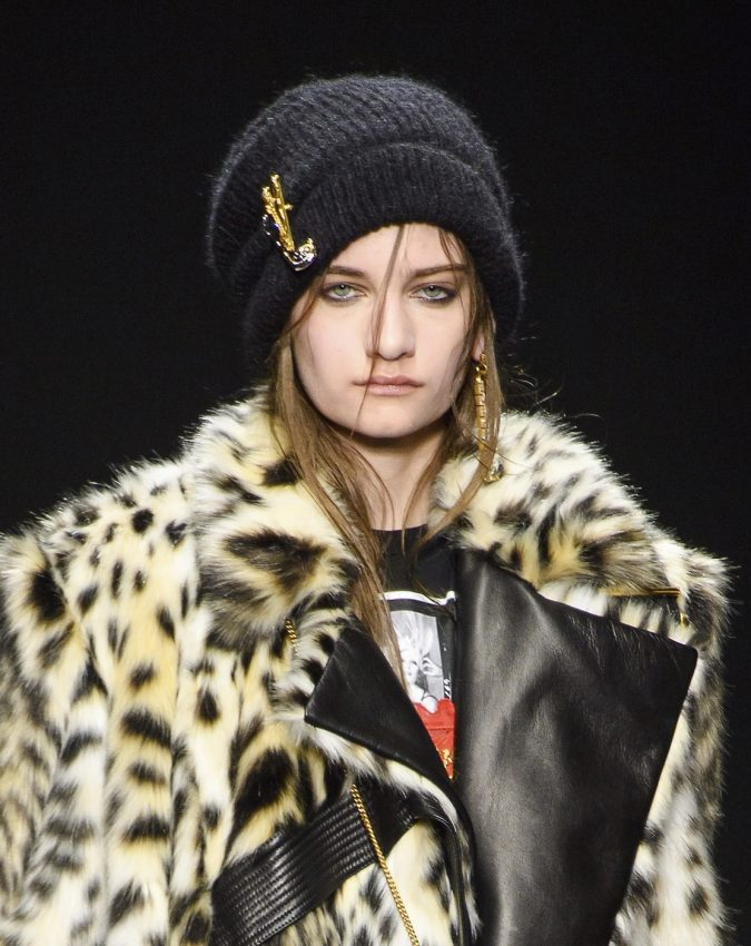 fall-winter-fashion-2020-beanie-Versace-675x850 10 Elegant Women's Hat Trends For Winter 2020