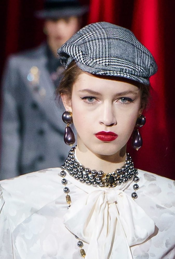 fall-winter-fashion-2020-checked-newsboy-hat-Dolce-and-Gabbana-675x996 10 Elegant Women's Hat Trends For Winter 2020