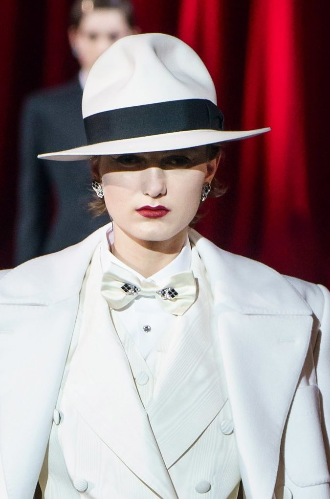 fall-winter-fashion-2020-fedora-hat-Dolce-and-gabbana-2-675x1019 10 Elegant Women's Hat Trends For Winter 2020