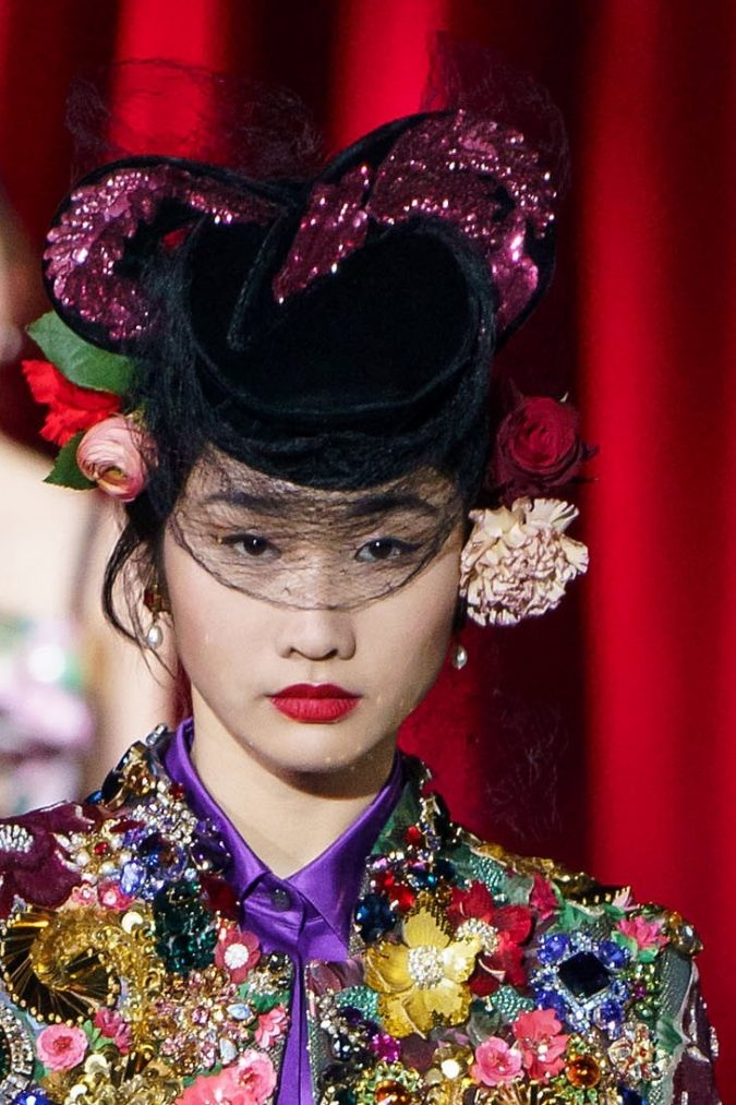 fall-winter-fashion-2020-statement-adorned-hat-Dolce-and-Gabbana-3-675x1013 10 Elegant Women's Hat Trends For Winter 2020