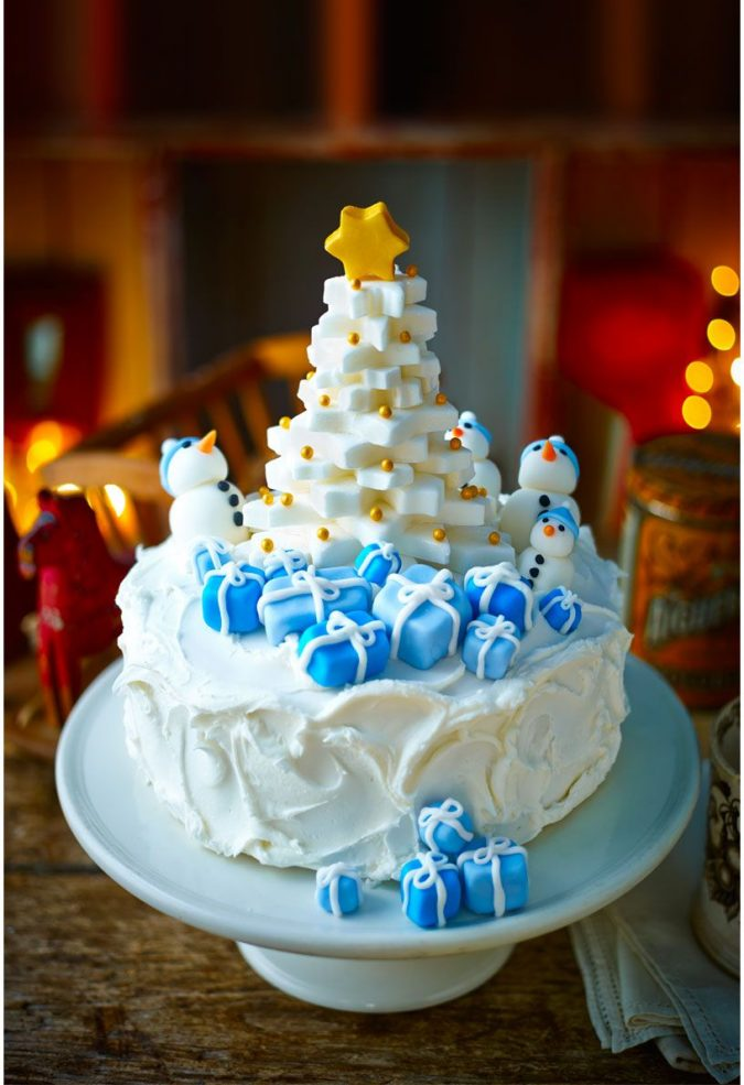 frozen-christmas-tree-cake-decoration-2-e1577294951258-675x985 16 Mouthwatering Christmas Cake Decoration Ideas 2020