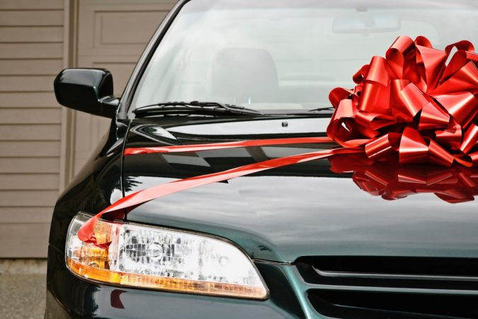 gift-car-675x450 Top 10 Most Luxurious Wedding Gift Ideas for Wealthy Couple