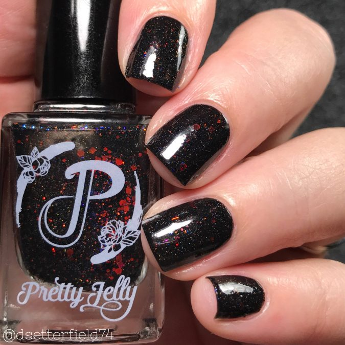 glitter-black-nails-2-675x675 10 Lovely Nail Polish Trends for Next Fall & Winter