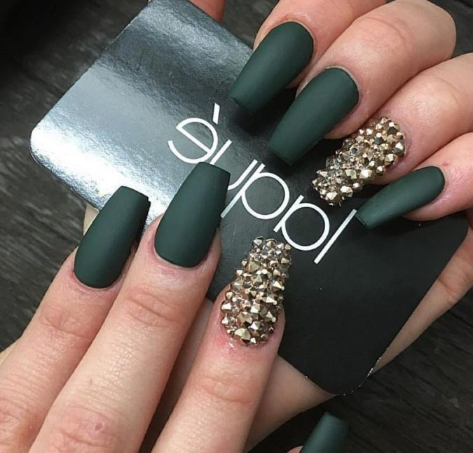 green-coffin-nails-675x647 10 Lovely Nail Polish Trends for Fall & Winter 2020