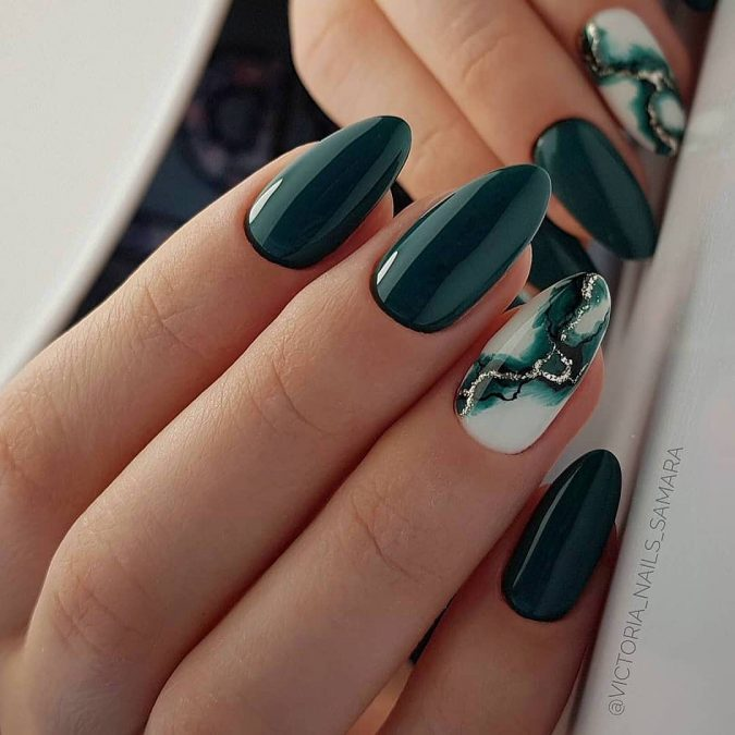 green-nails-675x675 10 Lovely Nail Polish Trends for Fall & Winter 2020