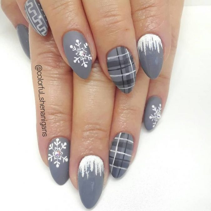 grey-and-white-nail-art-675x675 Top 10 Most Luxurious Nail Designs for 2021