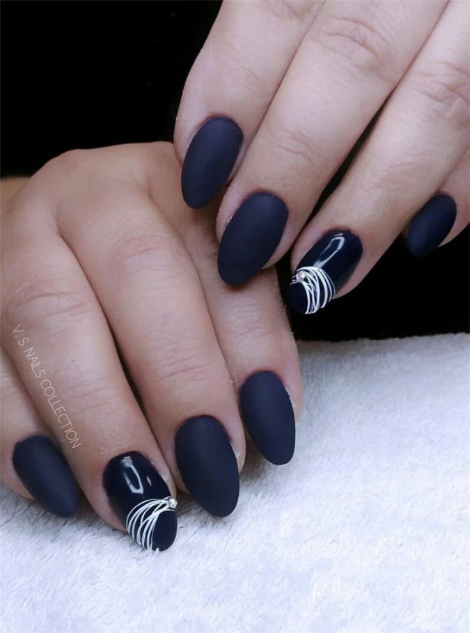 grey-nail-art-2-675x909 Top 10 Most Luxurious Nail Designs for 2021