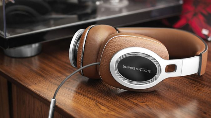 headphone-BW-P9-Signature.-1-675x379 Top 15 Most Expensive Christmas Gifts Worldwide