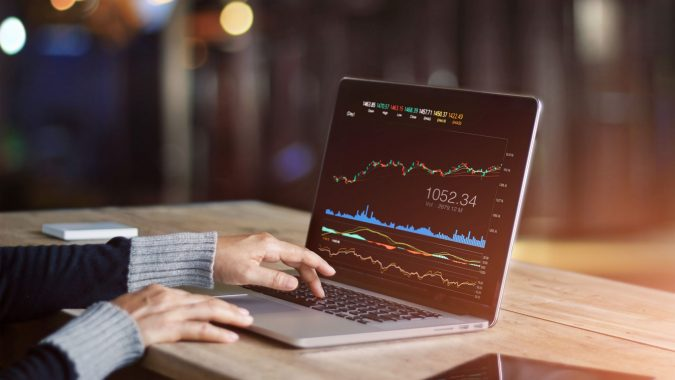 laptop-forex-trading-675x380 Currency Pair Trading for Beginners - The Key Considerations
