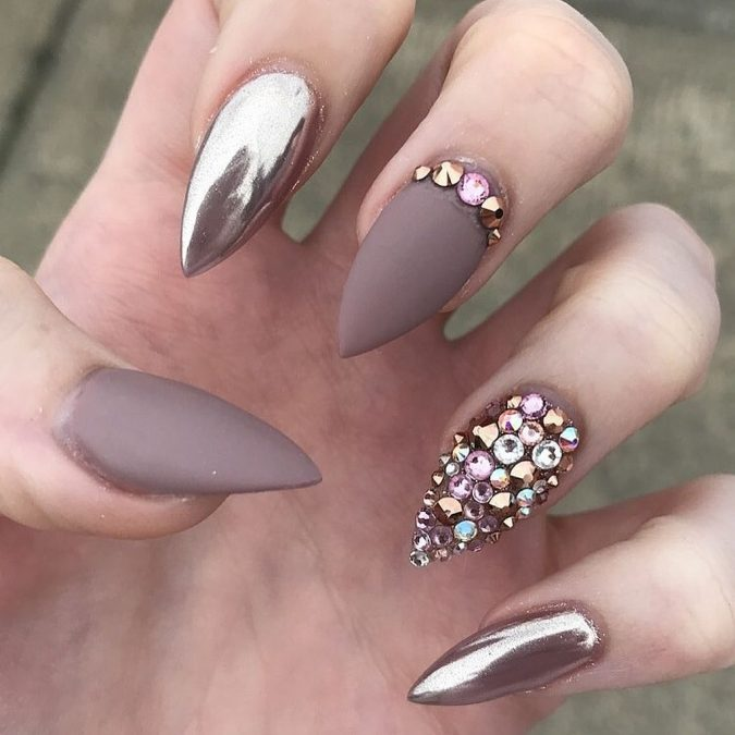 metallic-and-nude-nails-675x675 Top 10 Most Luxurious Nail Designs for 2020