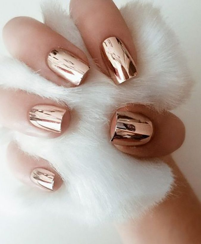 metallic-gold-nails-1-675x819 Top 10 Most Luxurious Nail Designs for 2021