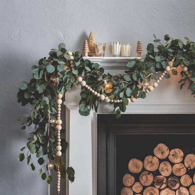 minimalist-christmas-garland-2-675x675 50+ Hottest Christmas Decoration Ideas for 2020
