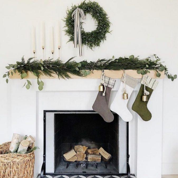 minimalist-christmas-garland-decoration-675x675 50+ Hottest Christmas Decoration Ideas for 2021
