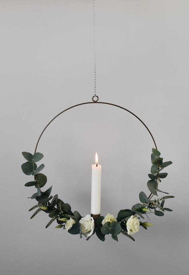 minimalist-christmas-garland-wreath-3 50+ Hottest Christmas Decoration Ideas for 2020