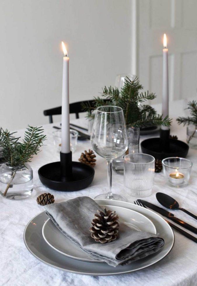 minimalist-christmas-table-decoration-2-675x980 50+ Hottest Christmas Decoration Ideas for 2020