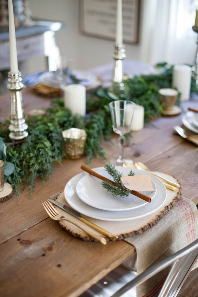 minimalist-christmas-table-decoration-4-675x1013 50+ Hottest Christmas Decoration Ideas for 2020