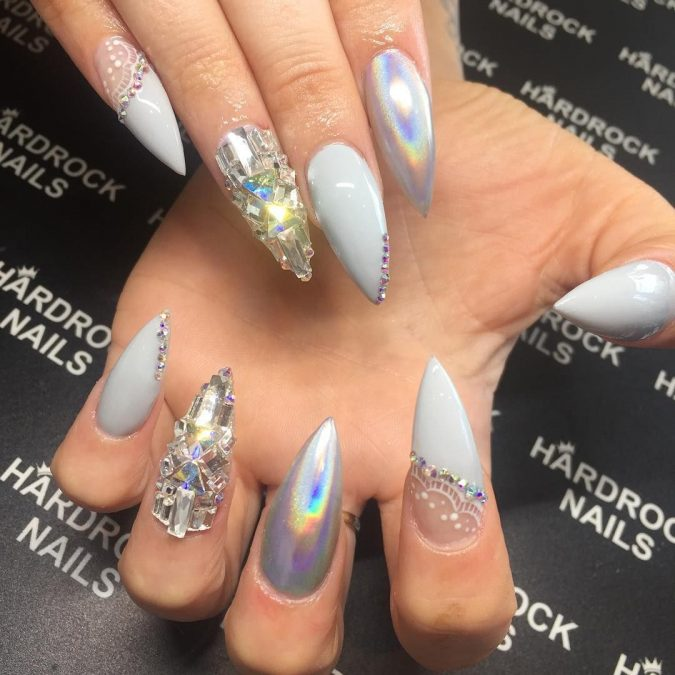 nail-art-675x675 Top 10 Most Luxurious Nail Designs for 2020