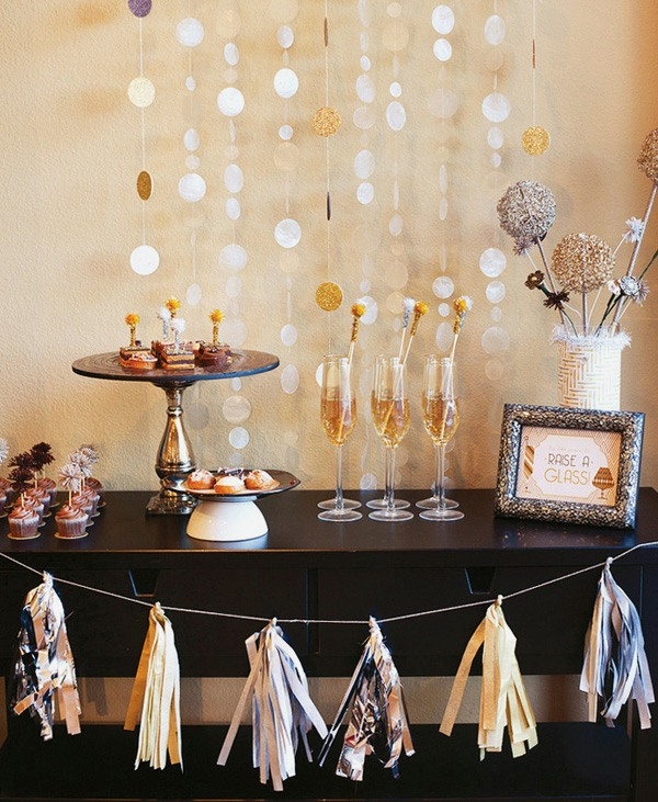 new-years-eve-bar 10 Breathtaking New Year's Eve Party Decoration Trends 2020