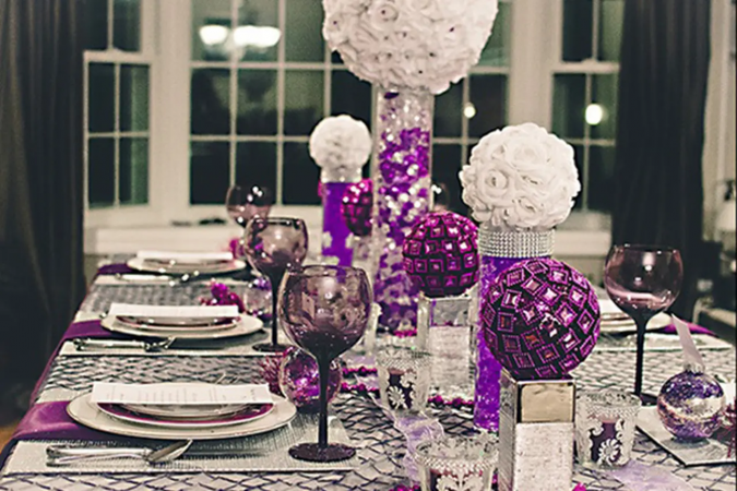 new-years-eve-dinner-table-675x450 10 Breathtaking New Year's Eve Party Decoration Trends 2021