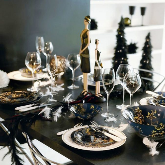 new-years-eve-dinner-table-decoration-675x675 10 Breathtaking New Year's Eve Party Decoration Trends 2020