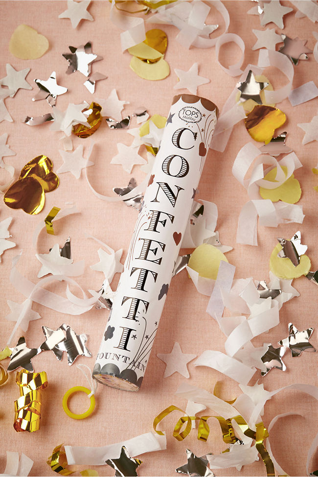 new-years-eve-party-confetti 10 Breathtaking New Year's Eve Party Decoration Trends 2020