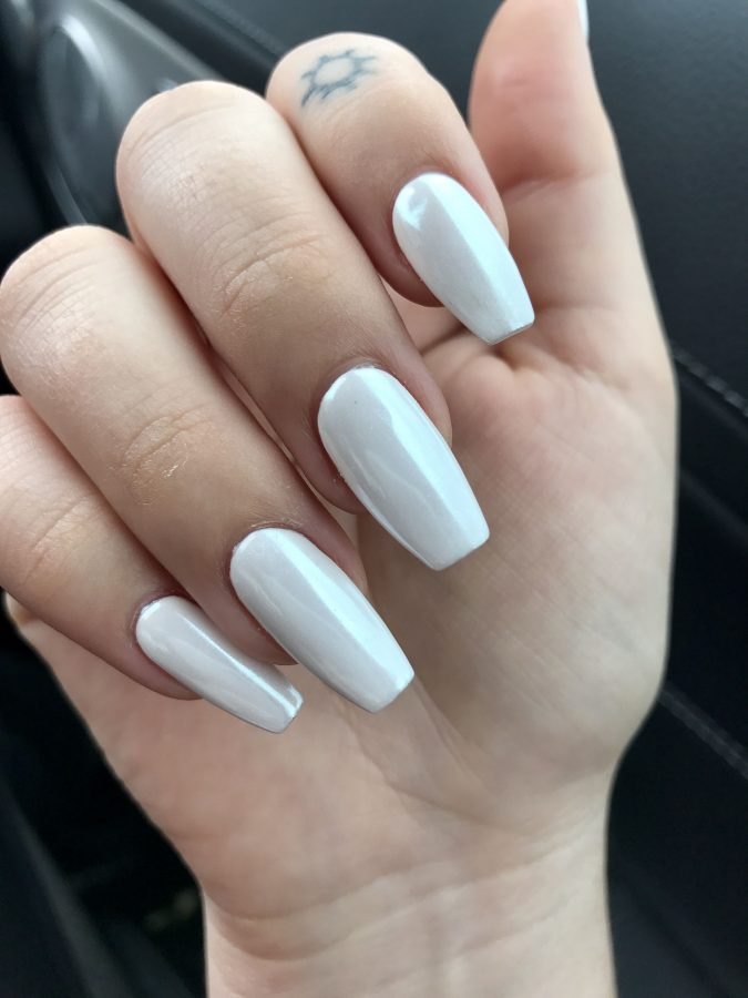 pearly-white-nails-2-675x900 10 Lovely Nail Polish Trends for Fall & Winter 2020