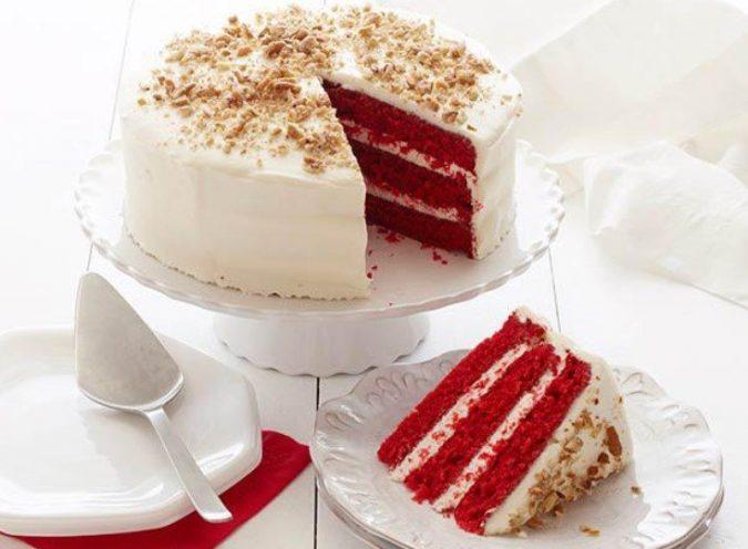 red-velvet-christmas-cake-675x496 16 Mouthwatering Christmas Cake Decoration Ideas 2021