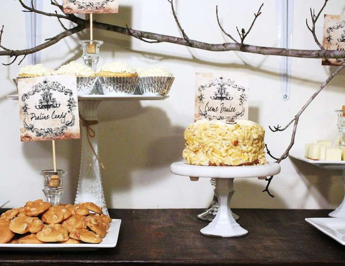 rustic-New-Years-eve-decoration-675x521 10 Breathtaking New Year's Eve Party Decoration Trends 2021