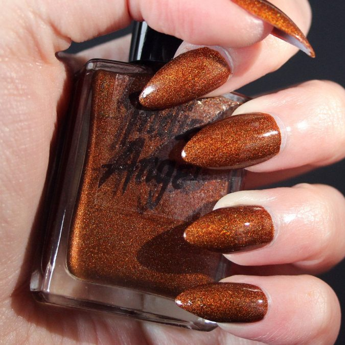 spice-nails-2-675x675 10 Lovely Nail Polish Trends for Fall & Winter 2020