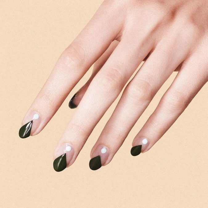 teardrope-nail-art-675x675 Top 10 Most Luxurious Nail Designs for 2021