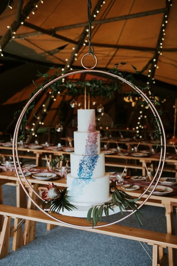 wedding-cake-display-ideas-with-hanging-hoop 16 Mouthwatering Christmas Cake Decoration Ideas 2021