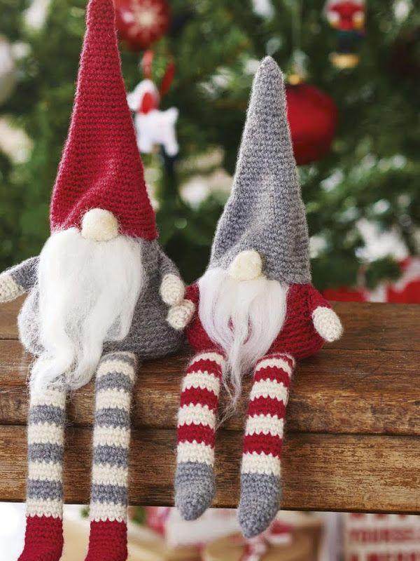 woodland-christmas-decoration-gnomes 50+ Hottest Christmas Decoration Ideas for 2021