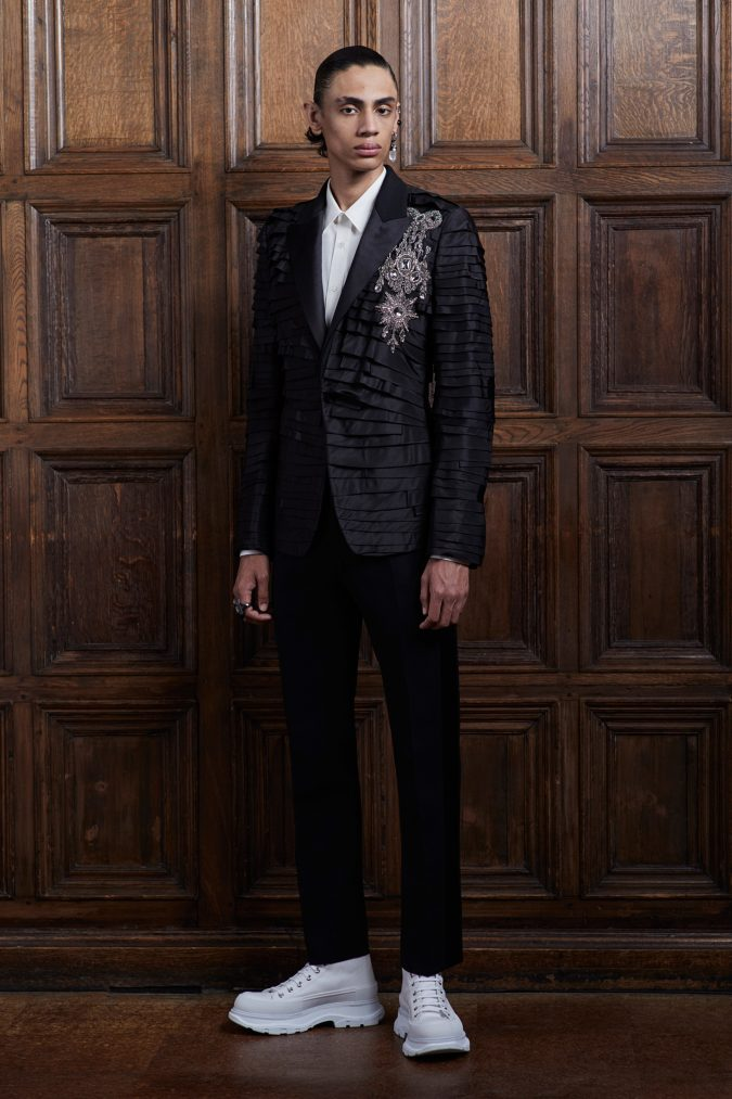 Alexander-Mcqueen-for-men-fashion-2020-675x1013 Top 20 Most Luxurious Men's Fashion Brands