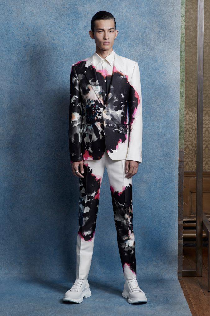 Alexander-Mcqueen-for-men-fashion-675x1013 Top 20 Most Luxurious Men's Fashion Brands