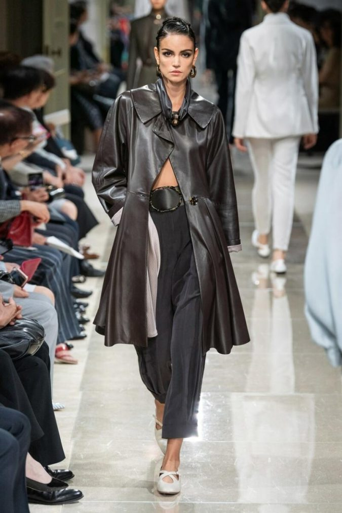 Giorgio-Armani-1-675x1013 Top 20 Most Luxurious Women's Fashion Brands