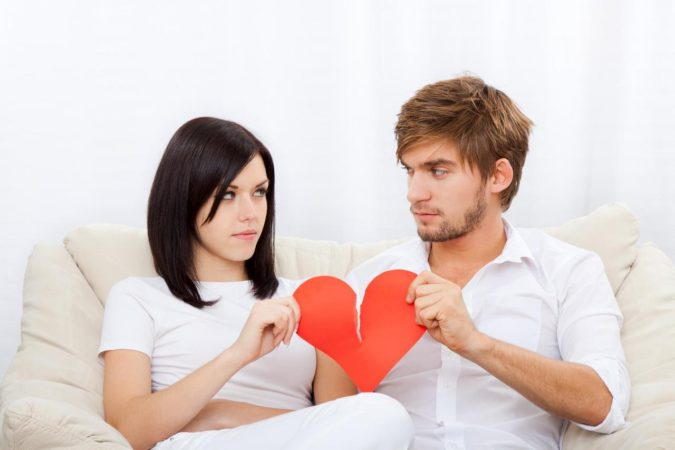 Red-Flags-in-a-Relationship-675x450 How to Face Red Flags in a Relationship Successfully