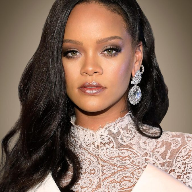 Rihanna-1-675x675 Some Huge Fashion Icons Are Supporting This New Trend