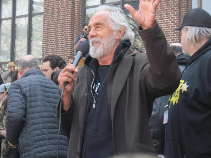 Tommy-Chong-675x506 Some Huge Fashion Icons Are Supporting This New Trend