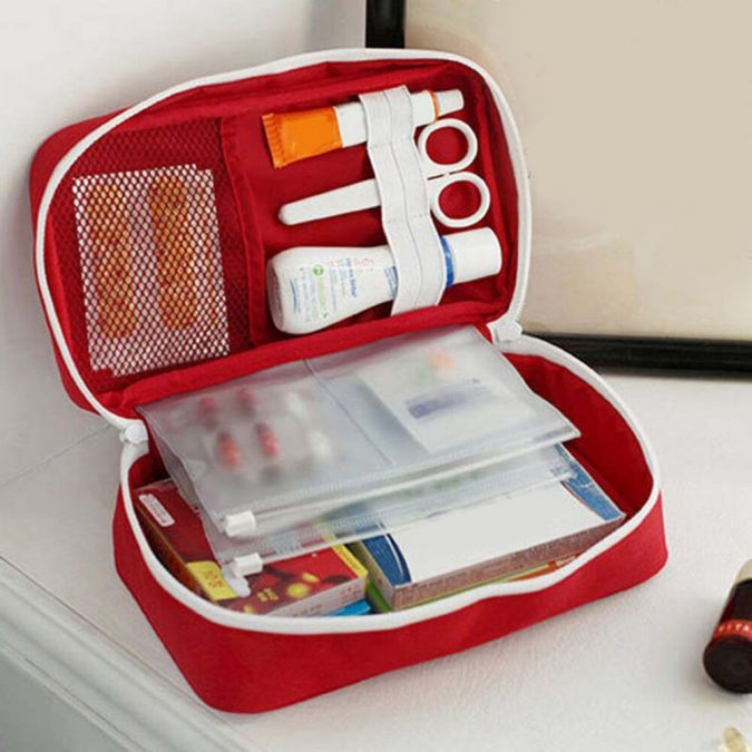 emergency-pain-kit-675x675 7 Simple Ways to Manage Pain at Work