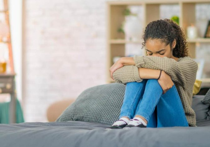 mental-health-sad-woman-675x475 10 Signs that You Need an Online Therapist Help
