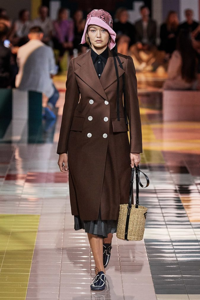 prada.-2-675x1013 Top 20 Most Luxurious Women's Fashion Brands